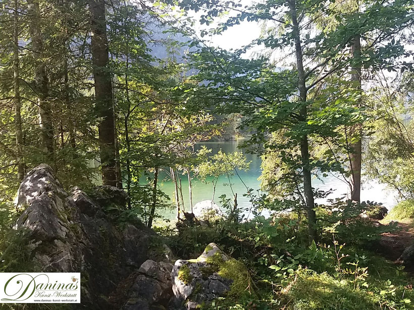 Inspiration für einen naturnahen Garten findet man in der Natur wie im nahegelegenen Wald