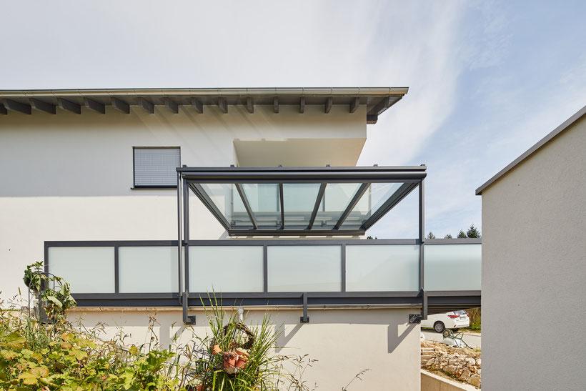 Terrassenüberdachung und Balkon aus Aluminium in Trostberg