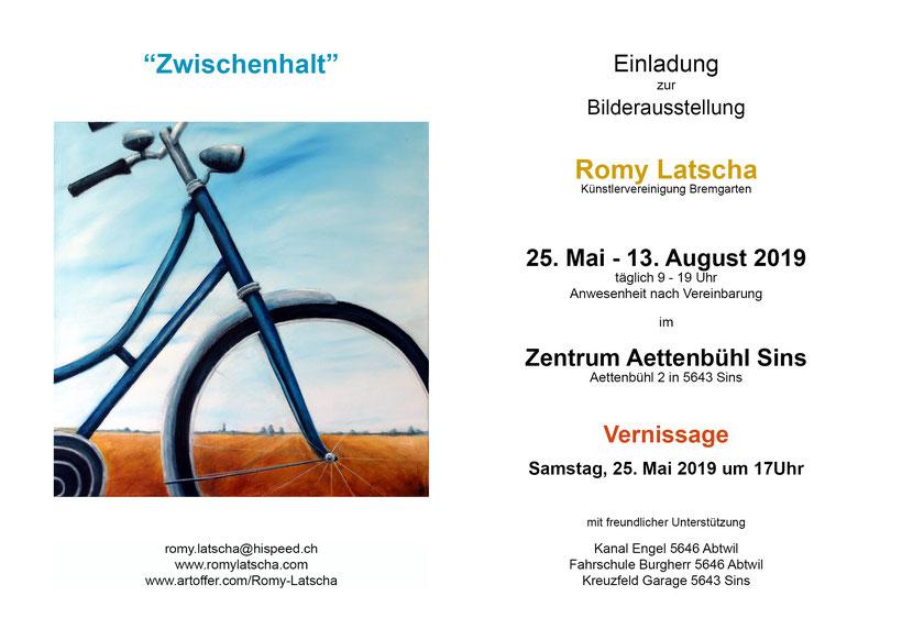 """Romy Latscha zeigt etwa 30 Bilder aus den vergangenen Jahren in der Ausstellung """"Zwischenhalt"""" im Zenrum Aettenbühl in Sins."""
