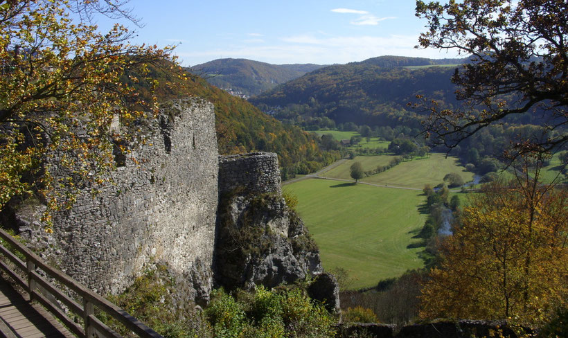 """Hintergrundbild """"Wiesenttal"""" ~ Blick von der Ruine Neideck Richtung Muggendorf"""