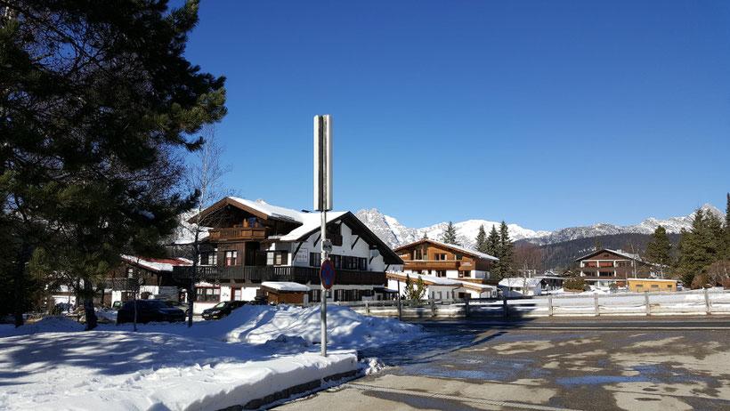 Blick vom Gästehaus Birkenwald auf den Ort Seefeld in Tirol