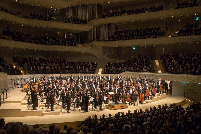 """Das Chicago Symphony Orchestra dirigiert von Riccardo Muti in der Elbphilharmonie """"Elphi"""" Hamburg / © Todd Rosenberg Photography"""