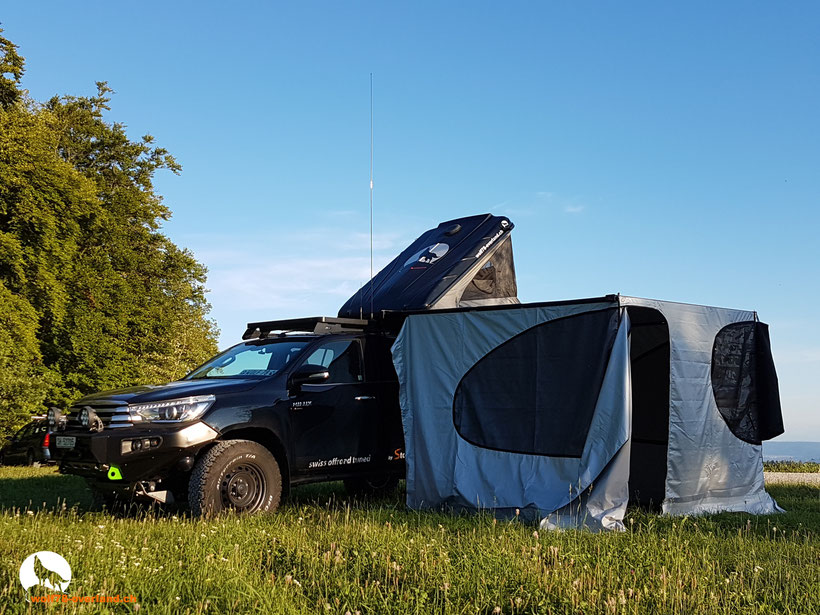James Baroud Discovery tent Awining Markiese Toyota Hilux Revo 2016 2017 2.4 #Blackwolf wolf78-overland.ch offroad overland expedition 4x4 AFN Frontbumper ARB Frontrunner Roofrack Horntools Winch Rival4x4 Alu-cab TJM LTPRTZ offroadaccessoires.ch
