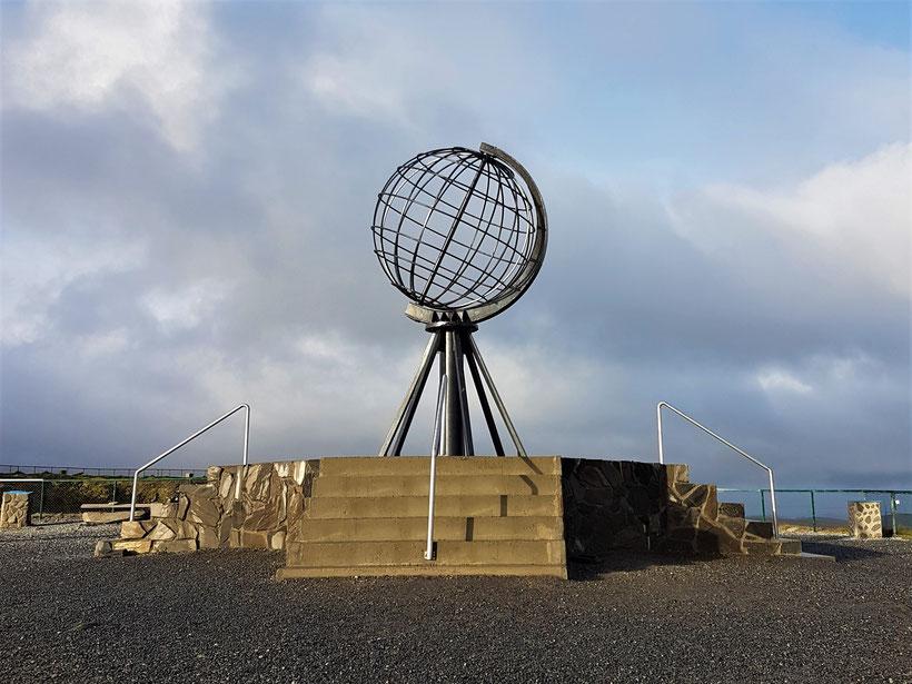 """70°10`21""""N Nordkapp Globus Norwegen Kugel Norge #NordkappUndZurück #Driveyourownway #explorewithoutnoimits wolf78-overland"""