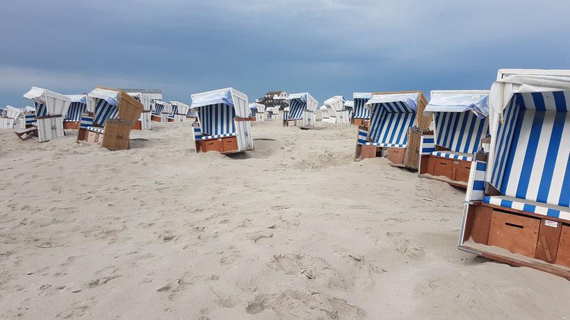 Strand St. Peter-Ording Strandsessel Strandkorb Nordsee #Nordkappundzurück roadtrip travel overland offroad