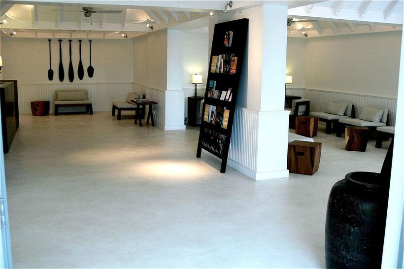photos beton cire bordeaux plafonds tendus chapes fluides. Black Bedroom Furniture Sets. Home Design Ideas