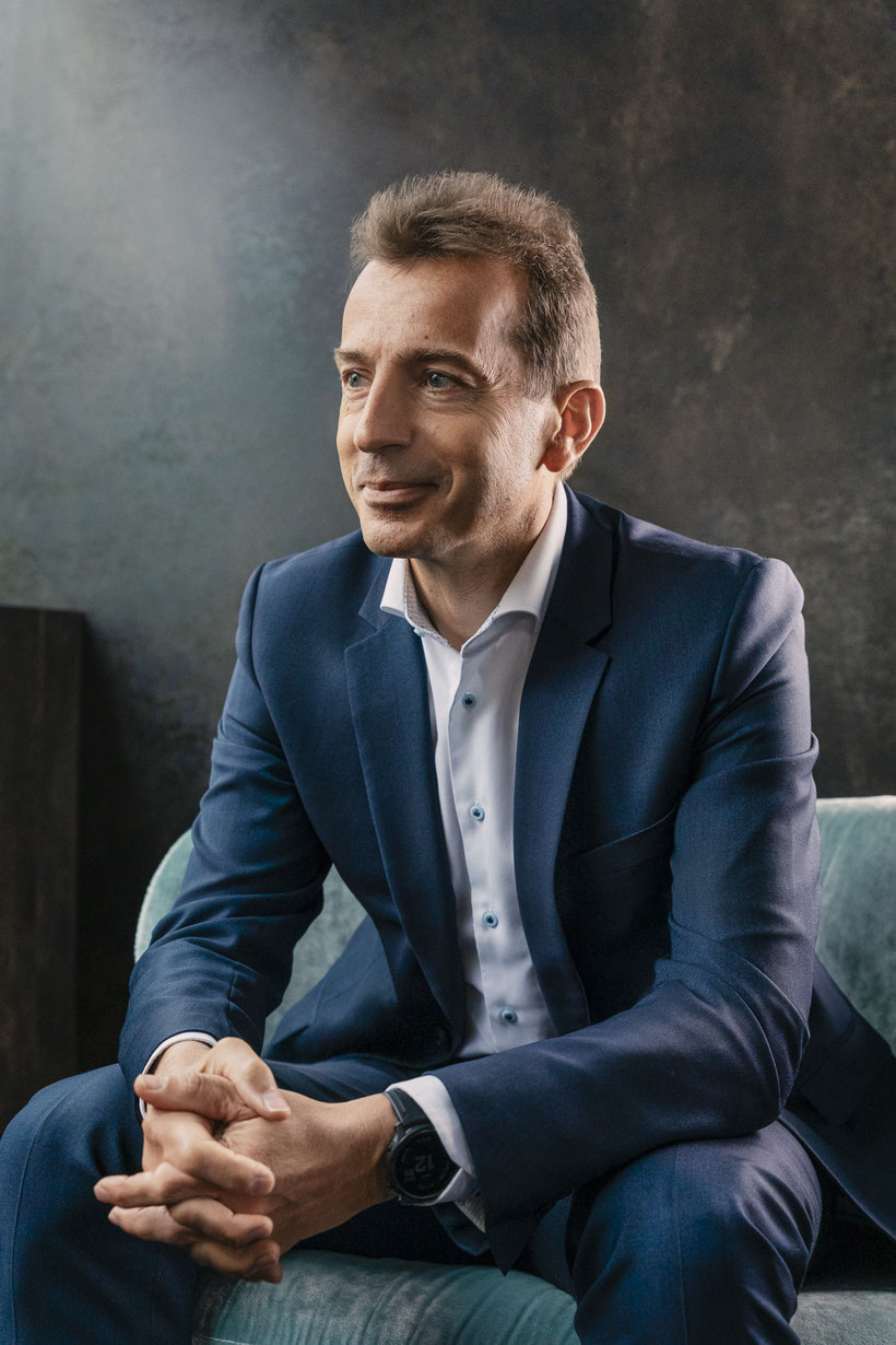 Portrait Photo of Guillaume Faury, CEO of Airbus SE | Photographer: © Anne Hufnagl