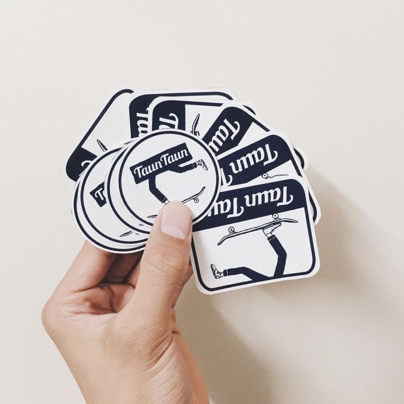TaunTaun イベントロゴステッカー