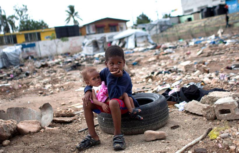 URL: http://hereandnow.wbur.org/2013/01/10/haiti-earthquake-book (Abgerufen: 15. März 2015, 08:13 UTC)