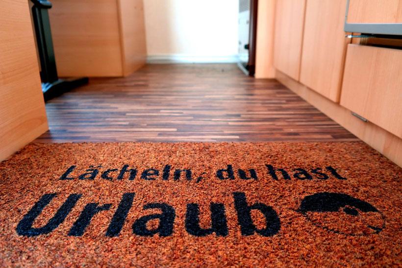 """Original TABMAN Fußmatte """"Lächeln, du hast Urlaub"""" für den T@B 320 RS, CultEdition und OffRoad"""