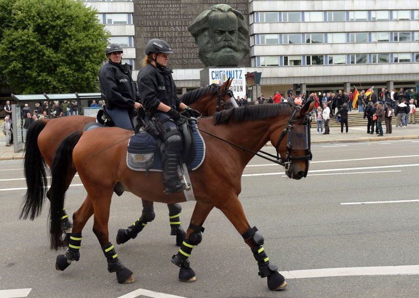 Police from different federal states(Bundesländer) were deployed in Chemnitz to beef up security