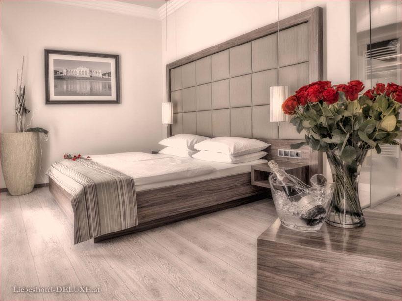 Jahrestag-Liebeshotel-Hotel-orient-spinne-kreuz-1030-Wien-stundenhotel-Designzimmer-Whirlpool-Zimmer-Champagner-Service-Idee-billig-günstig-zentrum-buchen-romantik-hochzeit-überraschung-feier-partner