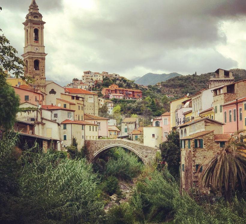 Yoga & Malen in Ligurien/Italien, Dolcedo – Deine Kreative Auszeit Casa Yoga Rheine