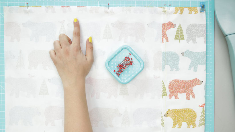 [Werbung] Bettwäsche für Kinder nähen und Spannbettlaken nähen mit Schritt für Schritt Anleitung und Berechnung. Stoffe von MT Stofferie. Kostenlose Nähanleitung perfekt für Anfänger von DIY Eule.