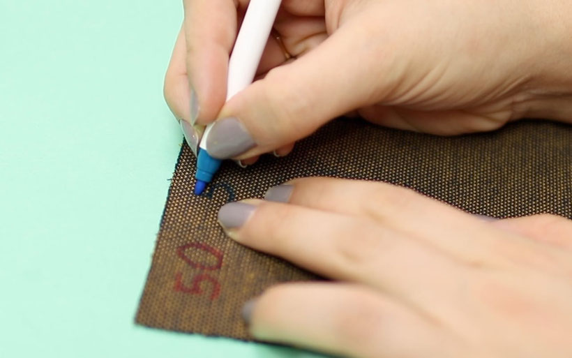 10 Arten Größenetiketten für genähte Kleidung selbst herstellen bzw. wie Größen in Kleidung markieren –textilstifte, Wäschemarkier-Set, Bügelfolie, plotten, sticken, einnähen, brother P-Touch Cube Etikettendrucker  inkl. kostenlose Vorlagen von DIY Eule