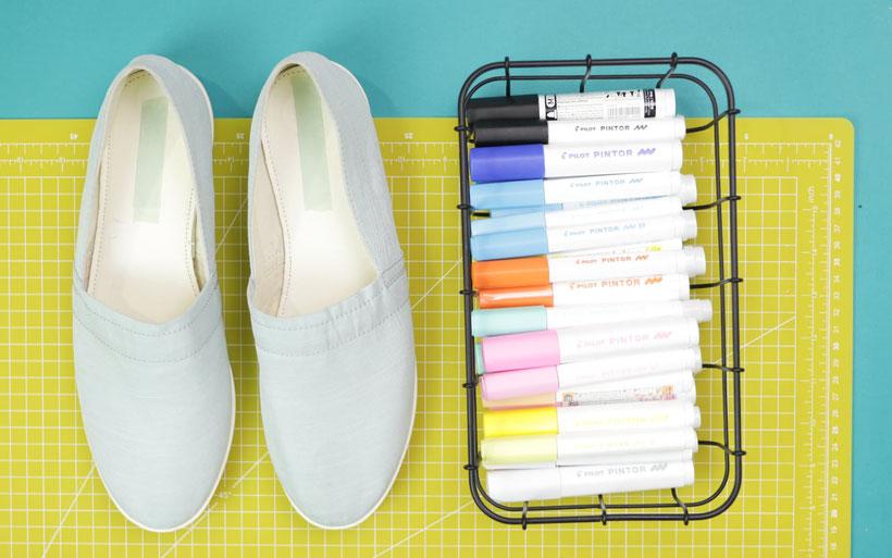 [Werbung] DIY Stoffschuhe bemalen für den Sommer und das Festival mit Pintor Stiften. DIY Anleitung von DIY Eule.