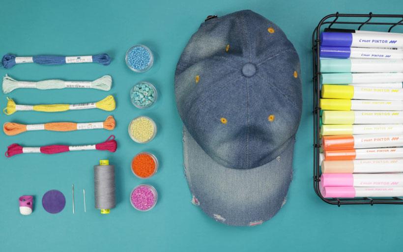 [Werbung] DIY Basecap Upcycling für den Sommer und das Festival mit Stickerei, Perlen, und Pintor Stiften. DIY Anleitung von DIY Eule.