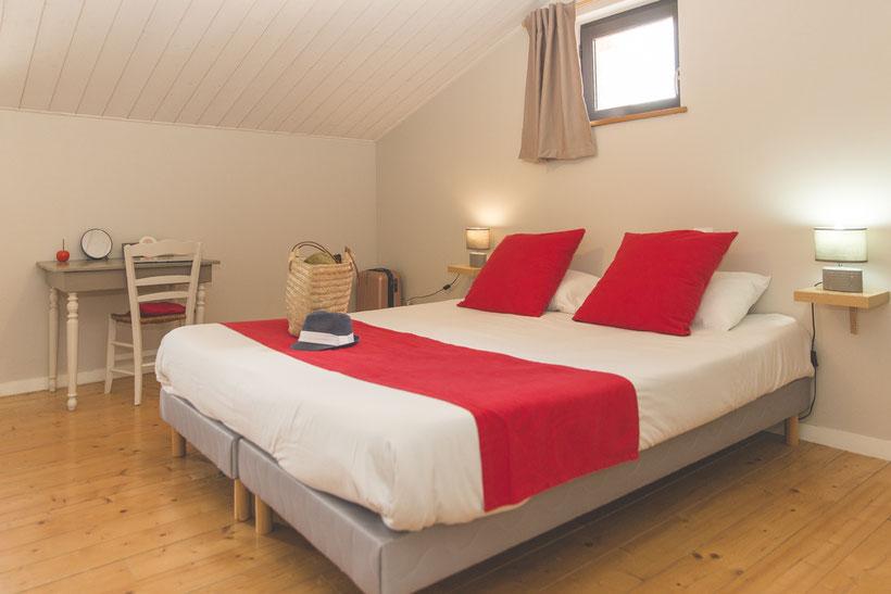 chambre spacieuse pour 2 personnes @lecorbeau-photo.com