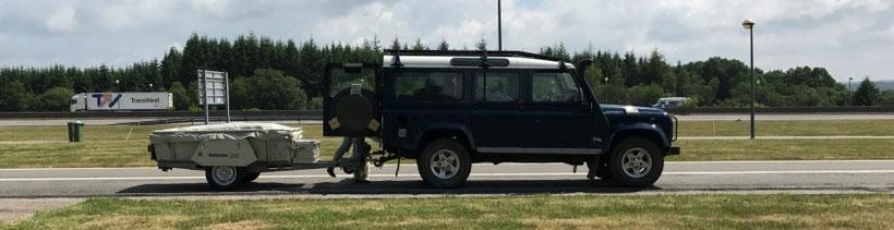 Holtkamper Astro op vakantie met Land Rover Defender 110 TD5