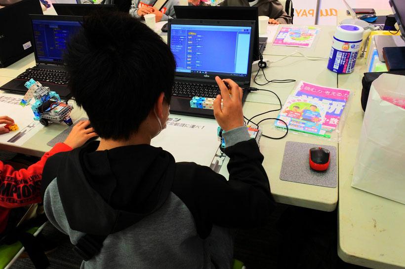 出張ロボットプログラミング教室の様子1