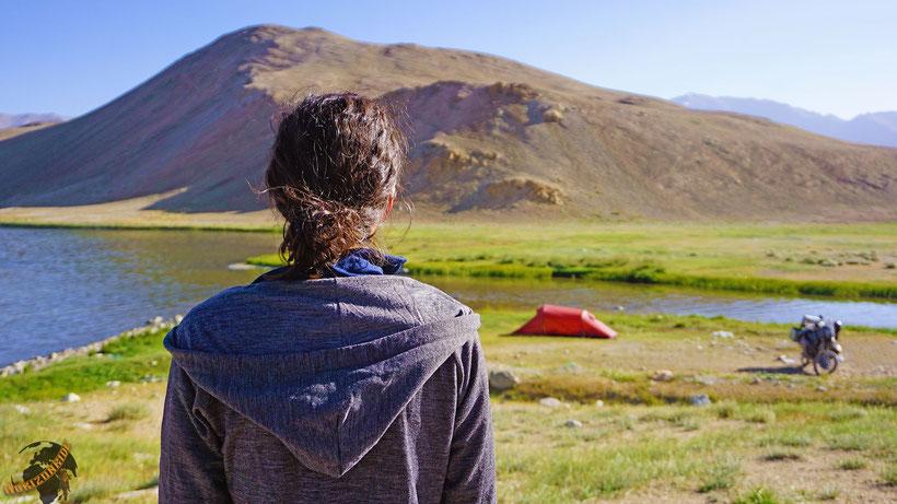 Wild campen in abgelegenen Regionen, Wind und Wetter ausgesetzt: So stellt man es sich vor und so ist es auch!