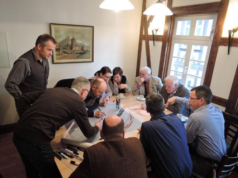 Landschaftsarchitekten, Fachbehörden, Verwaltung und Kommunalpolitik entwickeln gemeinsam neue Ideen für die Entwicklung des Hafengeländes in St. Goarshausen