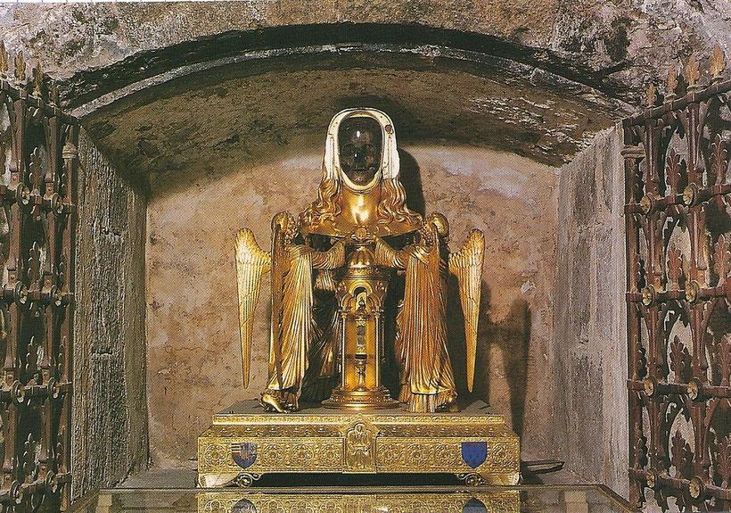 reliquaire de Ste Marie Madeleine dans la crypte du IVe siècle