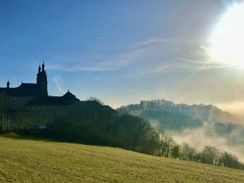 Kloster Banz hoch oben über dem Maintal