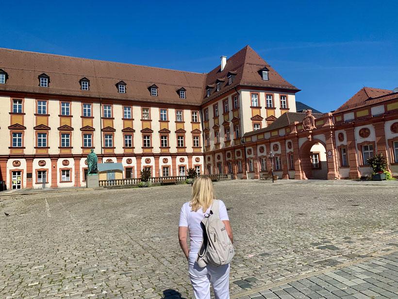 das alte Schloss in Bayreuth ist heute Sitz des Finanzamtes