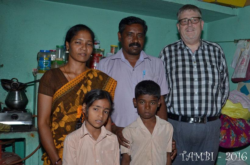 Gokul et sa famille, chez eux - Janv. 2016