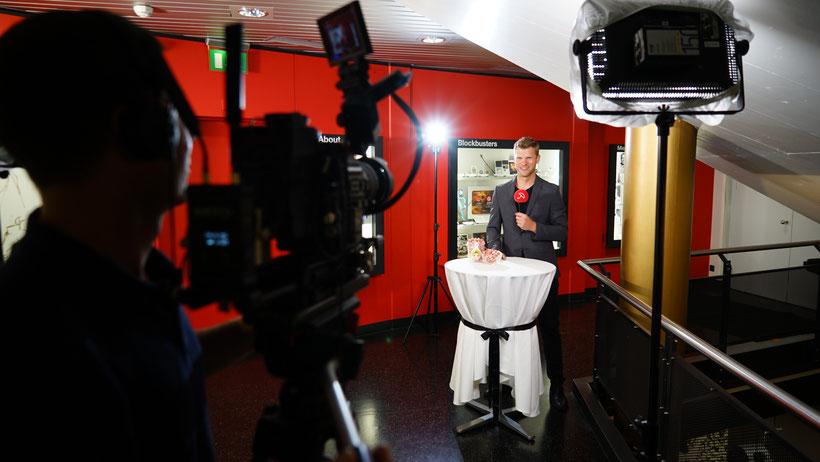 TV Moderator Thomas Odermatt moderiert Kino-Sendung auf Swiss1 hier für ihren Event buchen
