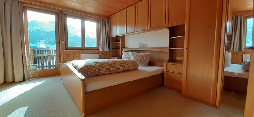 Küche und Wohnzimmer mit Holzofen