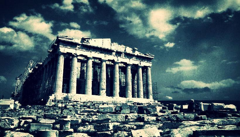 Il sacro tempio della democrazia deve essere riedificato: è il compito della filosofia neomoderna