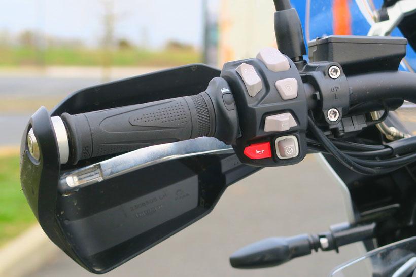 Toujours plus de boutons pour piloter les motos modernes