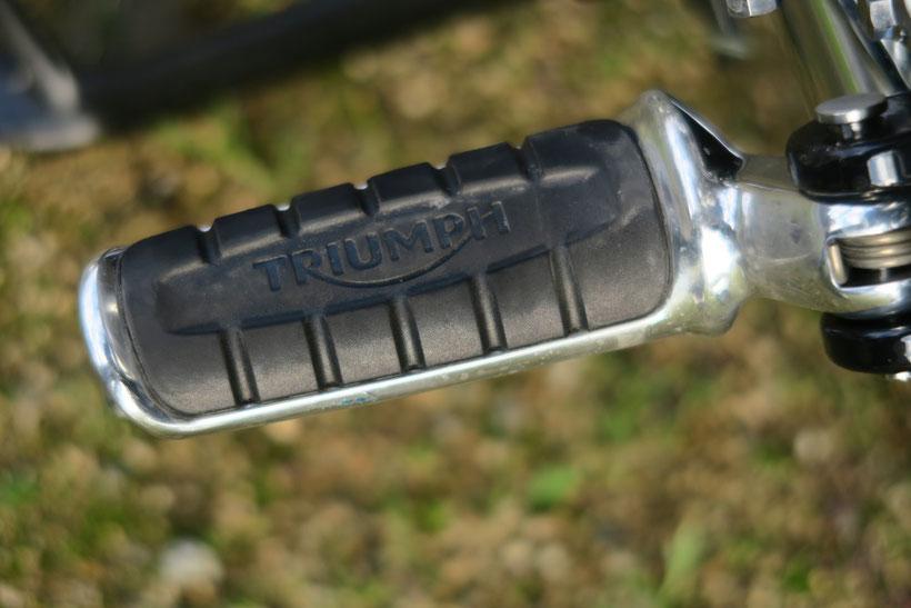 Repose-pied Triumph Bonneville T100