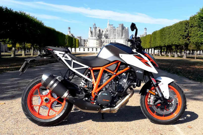 KTM 1290 Super Duke R, une vraie vie de château