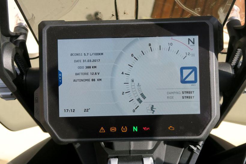 L'écran TFT de la KTM 1290 Super Adventure S est magnifique