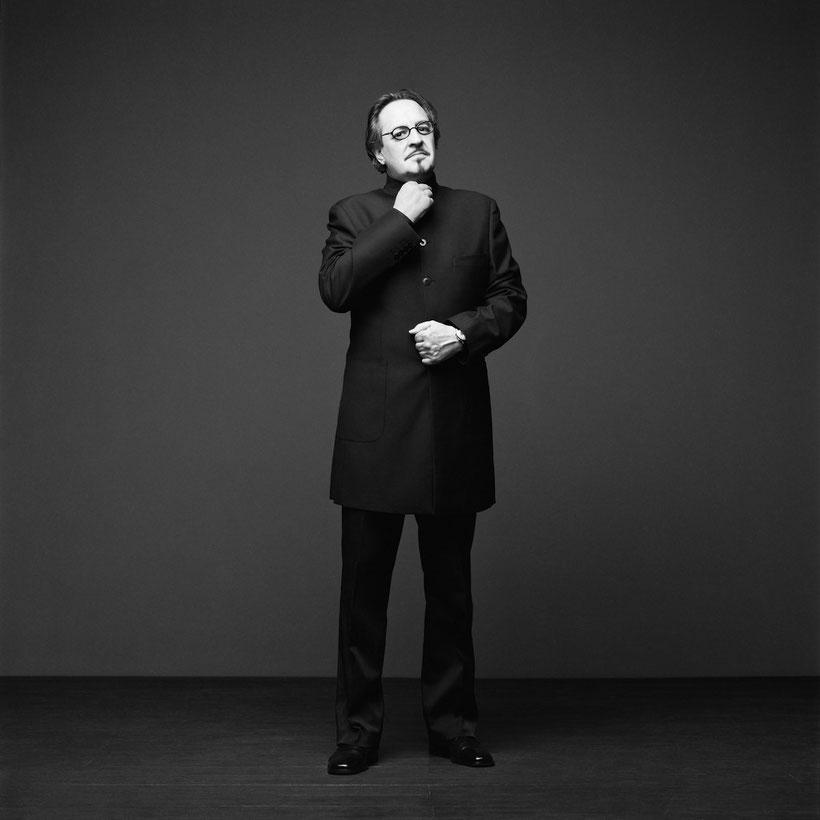 Foto S/W Heinz D. Heisl, by Yves Noir