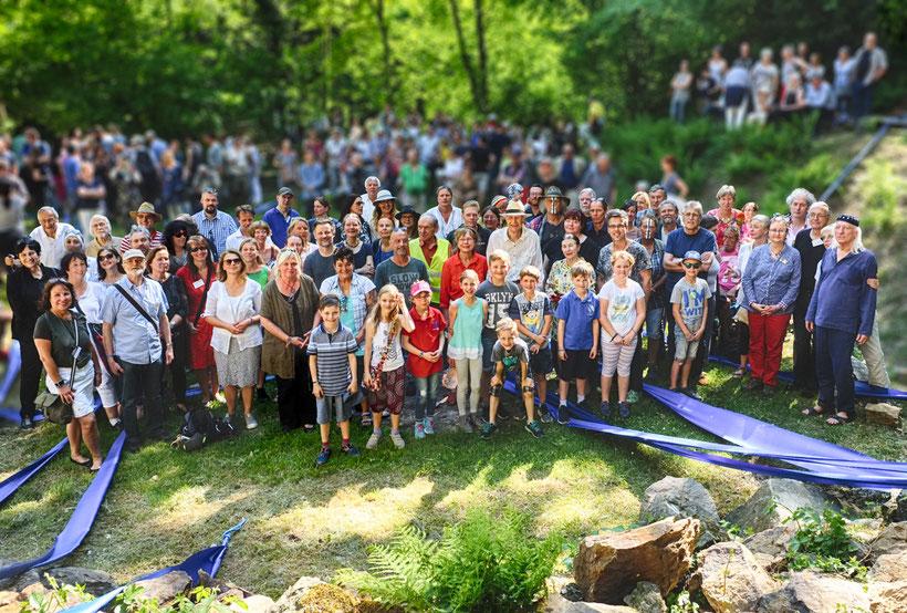 """Alle teilnehmenden Künster der Ausstellung """"Freiheit"""". Foto: Wicze Braun + Wolfgang Brudes"""
