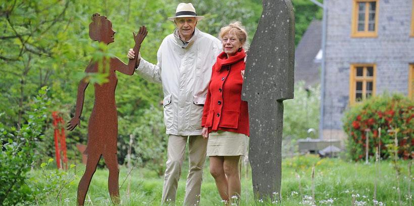 Blicken auf 25 Jahre Skulpturenpark zurück: Wicze Braun und Wolfgang Brudes, die Schöpfer des Sinneswalds.  Foto: Britta Berg – Quelle: https://www.ksta.de/30099250 ©2018