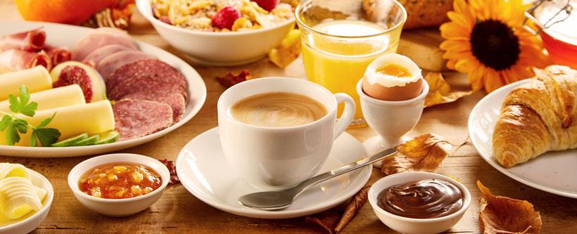 Frühstück in der Pension Hinz und Kunz in Weimar