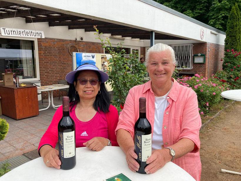 Sensationeller 2. Platz im Doppel Damen50  Nancy Mentz und  Barbara Lütgens