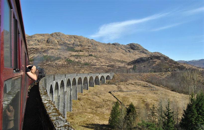 Fotoparade - die schönsten Fotos von Reisezielen in Europa - Glenfinnan Viadukt in Schottland