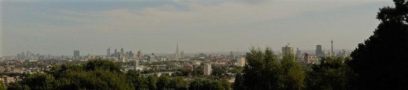 Aussicht vom Parliament Hill in Hempstead Heath auf das Zentrum von London
