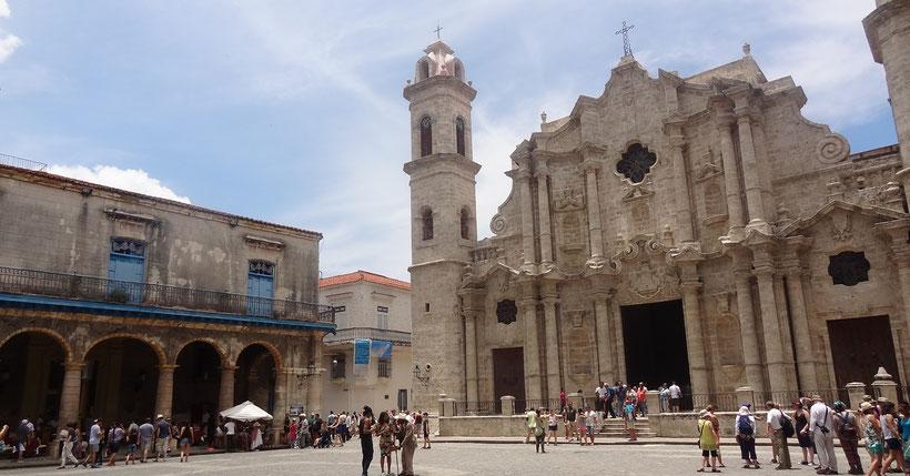 Plaza de la Cathedral, Havana, Cuba