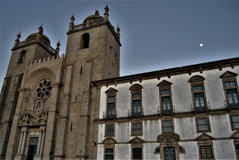 Hauptkirche von Porto - Sé do Porto