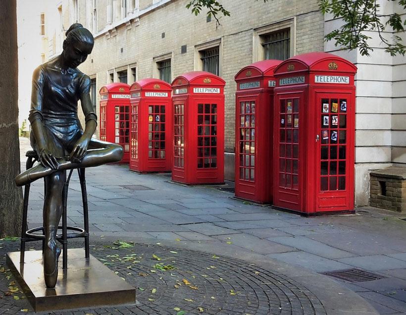 Fotoparade - die schönsten Fotos von Reisezielen in Europa - Ballerina Statue in London