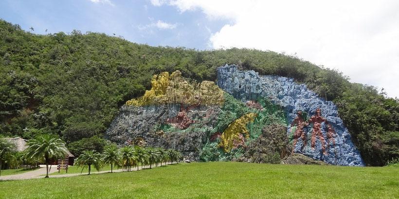 Mural de la Prehistoria in Viñales, Kuba