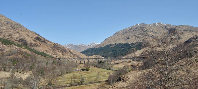 Glenfinnan Viadukt, Schottland / Harry Potter Zug, Brücke (Discover Scotland Tours)