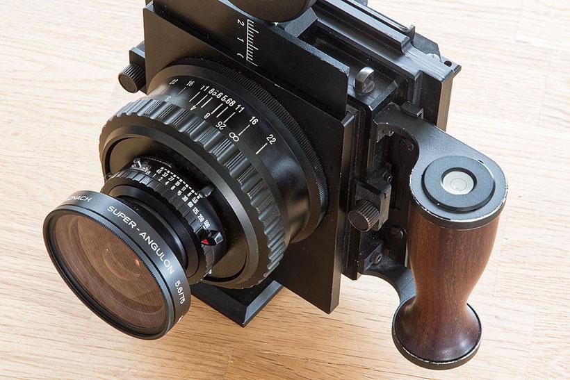 Large format camera GAOERSI 4x5, Ansicht von oben mit Handgriff und 75mm Super-Angulon. Foto: bonnescape.de